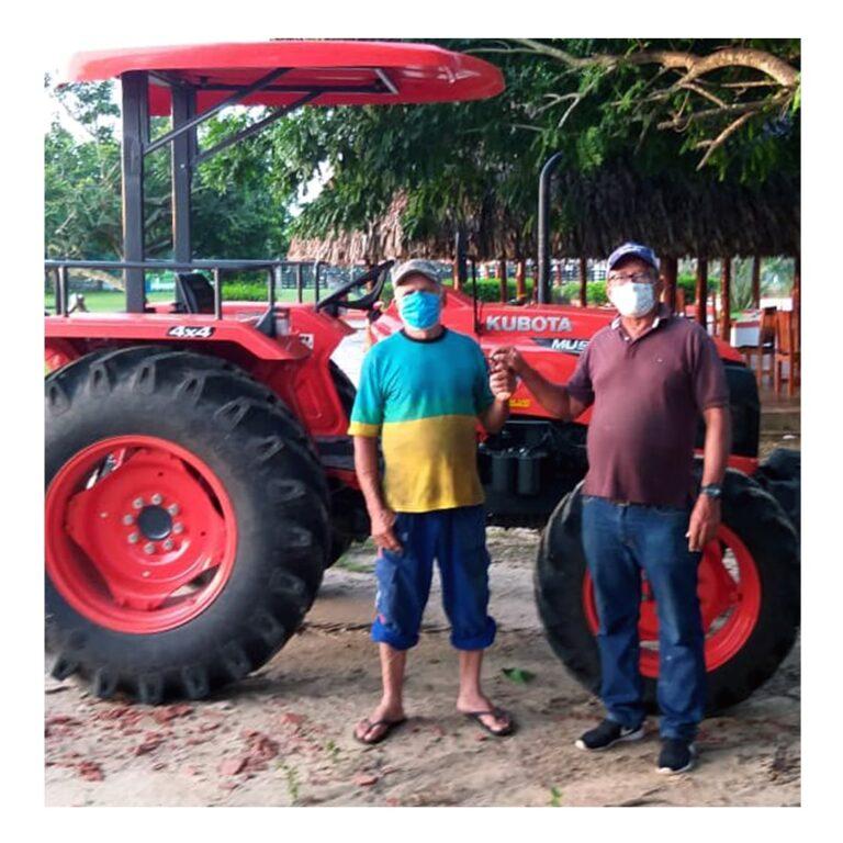Tractor Kubota MU5501