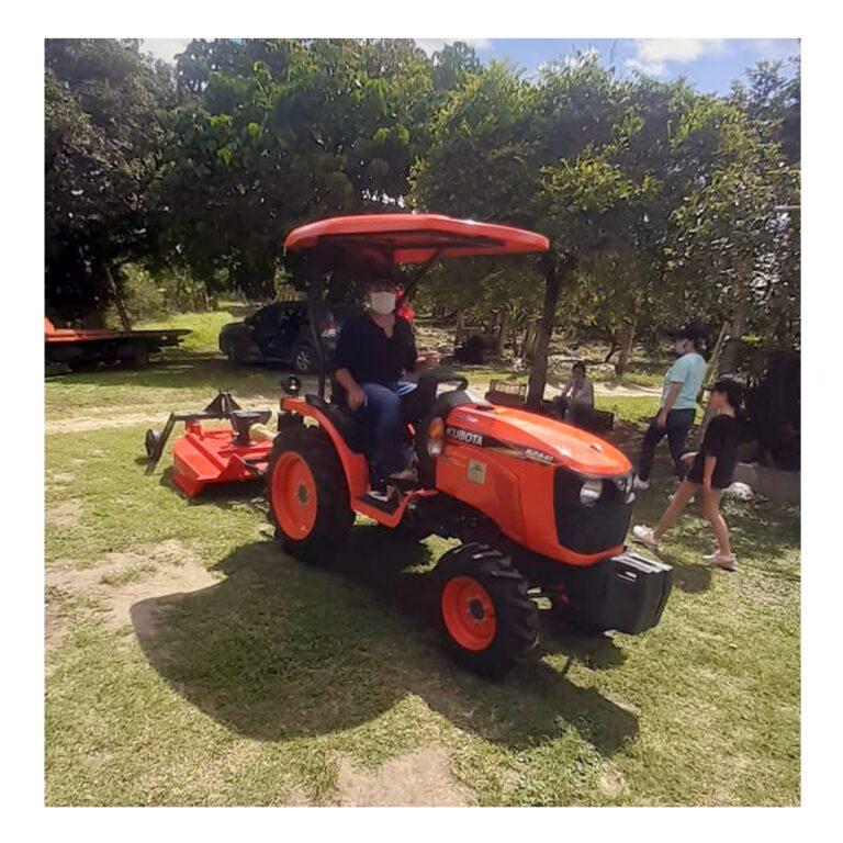 Tractor Kubota MU4501 Colombia